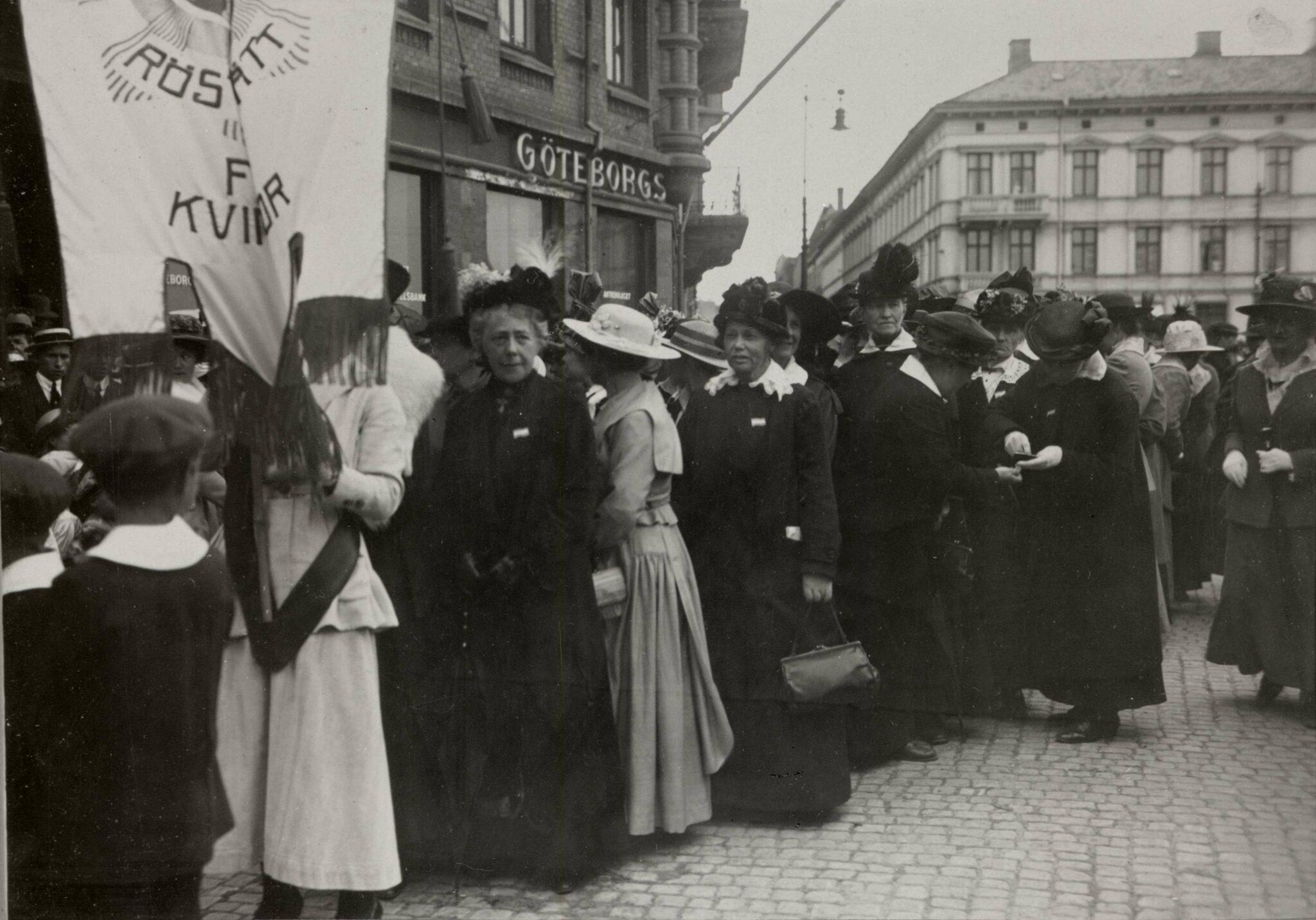 Kvinnligarösträtten i Sverige hundra år – men baptisterna hann före
